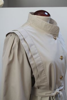 Vintage 80s Pleated Trench Coat por Laimperdible en Etsy