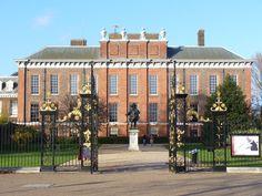Send Christmas cards like Kate, the Duchess of Cambridge!