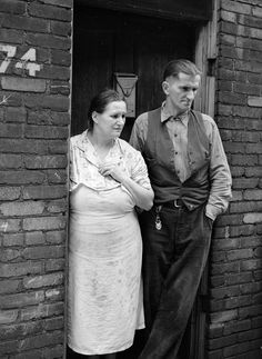 Unemployed steelworker and wife. Ambridge, Pennsylvania; photographed by John Vachon for the Farm Security Administration in January 1941. (Eyes of the Great Depression 089)