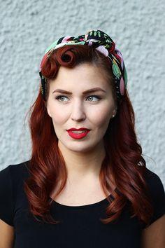 'Wonderland' silk scarf by Lisa Edoff. Vintage styling/model Emma Håkansson. | A Piece of Lisa