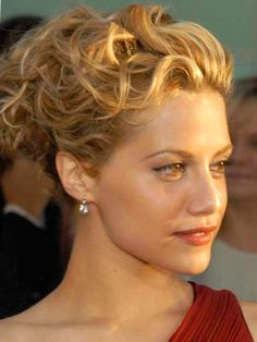 Messy Updos: 20 Casual Prom Hairstyles I Fell For - Medium length ...