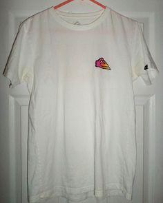 Men's Multi-Color QUIKILVER Modern Fit Front & Back Logos Shirt, Size M, GUC #Quiksilver #CrewNeck