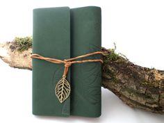 Sonderformate - Grünes Blätter-Notizbuch - ein Designerstück von Sarahnadja bei…