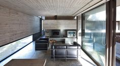 Pedroso House by María Victoria Besonías and Luciano Kruk 07 Minimal Architecture, Residential Architecture, Interior Architecture, Arch House, Facade House, Archi Design, Steel House, Forest House, Pine Forest