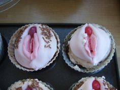 I like cupcakes as much as the next person, but hahahahahahaha, i couldnt eat these with a straight face. Naughty cup cakes (found on Mumsnet)