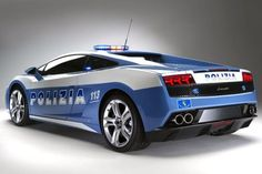 Italian Police Car ~ where do they put the bad guys, in the trunk? Typical Italians.