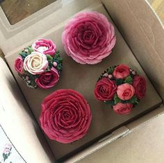 Sweet Cupcakes, Flower Cupcakes, Cupcake Cookies, Korean Buttercream Flower, Buttercream Flower Cake, Cake Decorating Techniques, Cake Decorating Tips, Chocolate Pies, Chocolate Cookies