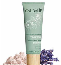 La mascarilla instante destoxificante de #Caudalie acaba con las impurezas e imperfecciones de la piel. Es ideal para pieles mixtas fatigadas. Y, además de limpiar en profundidad, cierra los poros y llena a tu rostro de vitalidad.
