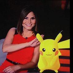 #nataliacruz con un envitado , el popular #pikachu de #pokemongo  en @lomejordepi @nataliacruznews #teamnataliacruz