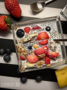 image Chia Puding, Oatmeal, Strawberry, Fruit, Breakfast, Image, Food, The Oatmeal, Morning Coffee