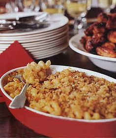 Macaroni and Cheese with Garlic Bread Crumbs