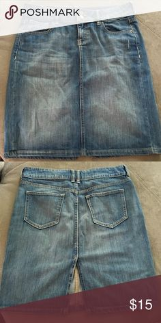 Longer length jean skirt w rear slit Cute Jean skirt that is 21.5 inches long and has a slit in the back for ease of movement.  Like new.  Worn once...maybe?  Maybe never. Old Navy Skirts Midi