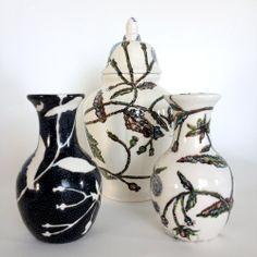 Maurice Christo van Meijel: Klein kruiskruid (2014) schildering op keramiek, hoogtes 14 en 23 cm. www.mauricechristo.com Maurice, Bowl Set, Sugar Bowl, Vases, Artworks, Tags, Jars, Art Pieces, Vase
