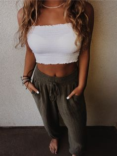 Chic summer Wwomens outfits ideas for charming style summer fashion trendy outfits 2019 Cute Casual Outfits, Cute Summer Outfits, Spring Outfits, Spring Dresses, Summer Ootd, Summer Outfits For Vacation, Cute Concert Outfits, Cute Party Outfits, Winter Outfits