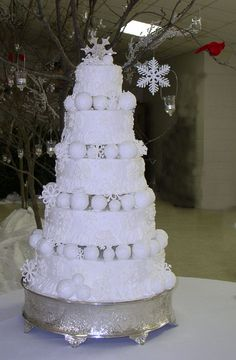 55 best Winter Wedding Cakes and Cupcakes images on Pinterest in ...