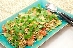 Hämmentäjä: Gado-gado, the best salad in the world comes from Indonesia. Gado-gado, maailman paras salaatti tulee Indonesiasta.