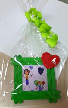 Original memories for Mother's Day May 10 – Man … – Gift For Men Mothers Day Crafts For Kids, Fathers Day Crafts, Mothers Day Cards, Diy For Kids, Gifts For Kids, Popsicle Crafts, Craft Stick Crafts, Diy And Crafts, Diy Father's Day Gifts