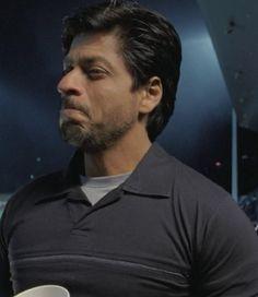 "[HQ Caps] Shah Rukh Khan [ @Olivia Gulino SRK ] in film ""ChakDe! India"" (2007) #SRK #KingKhan pic.twitter.com/DMc9E7FtXT"