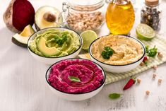 Pomazánka představuje rychlé řešení, když zrovna nevíte, co na svačinu. Přinášíme 3 recepty na zdravé pomazánky, z červené řepy, mrkvovou a česnekovou. Sundried Tomato Pesto, Basil Pesto, Hasselback Potatoes, Roasted Garlic, Sun Dried, Beetroot, Dip Recipes, Summer Salads, Palak Paneer
