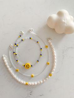 Handmade Wire Jewelry, Funky Jewelry, Cute Jewelry, Bead Jewellery, Beaded Jewelry, Beaded Bracelets, Diy Necklace, Bracelet Patterns, Beaded Lanyards