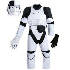 Tu pequeño está preparado para participar en misiones galácticas con el disfraz de soldado de asalto judicial de la Primera Orden, inspirado en Star Wars: Los últimos Jedi y equipado con casco, traje, cinturón extraíble y guantes.
