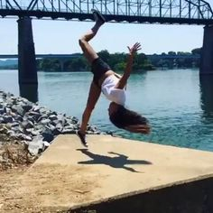 @Regrann from @instagram -  Stunt woman Caitlin Dechelle (@caitlindechelle) pulled out her signature move for #BoomerangOfTheWeek  a one-foot front flip called the Webster. She saw this cool spot in downtown Chattanooga Tennessee and thought Why flippin not?! To see more mind-blowing loops follow @boomerangfrominstagram.  #Boomerang by @caitlindechelle #Regrann