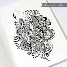 This would look so nice with black and glitter henna