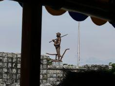 Corregidor- Filipino Heroes Memorial: bronze statue of a Filipino soldier/farmer by Manuel Casal