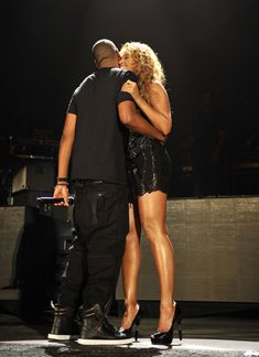 Beyonce And jay-z. Theyve lasted at least! Beyonce Style, Beyonce Body, Beyonce Knowles Carter, Jayz Beyonce, Rihanna, Black Couples, Cute Couples, Health And Fitness, Couple