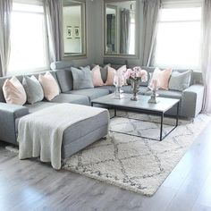 New living room grey couch sectional Ideas Living Room Decor Cozy, Rugs In Living Room, Living Room Interior, Home And Living, Bedroom Decor, Living Room Decor Grey And White, Grey Living Room Furniture, Grey Couch Decor, Grey Couches Living Room