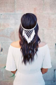 Dreamcatcher Fringe Halo Headpiece - Style Reminiscent of a dreamcatcher, this halo also features macrame influence Macrame Art, Macrame Projects, Macrame Headband, Fringe Styles, Long Wavy Hair, Macrame Patterns, Wedding Hair Pieces, Headpieces, Halo