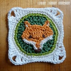 A fox square!  Free pattern with a rough diagram; use Google translate for this German site.  . . . .   ღTrish W ~ http://www.pinterest.com/trishw/  . . . .    #crochet #motif