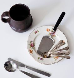 Kirppisrakkautta Kitchenware, Tableware, Finland, Dinnerware, Dishes, Kitchen Utensils
