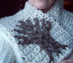 Tree of Life Cowl Designed by Susannah Reynolds Duelfer  Skill Level : Advanced Beginner (working this pattern in two colors is an Interme...