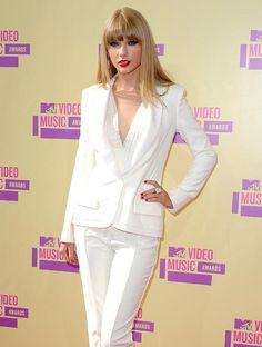 Taylor Swift, en busca de su príncipe azul #cantantes #famosas #people #celebrities #singers