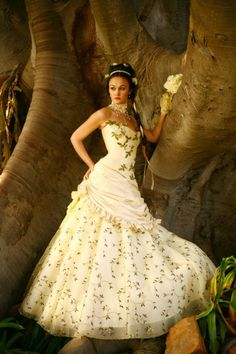 Just gorgeous! Mad Hatter Tea, Mad Hatters, Bridal Gowns, Wedding Gowns, Craft Wedding, Beauty Stuff, All About Fashion, Dream Dress, Victorian Fashion