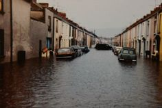 21 amazing pictures of flooding in Swansea Bay and Carmarthen | South Wales Evening Post