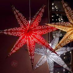 Die detaillierte Lochung, durch die das #Licht dringt, macht aus diesem #Weihnachtsstern ein atmosphärisches #Wohnaccessoire erster Güte!