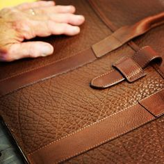手工皮具设计师 Frank clegg 作品细节 | showbagnow