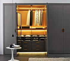 Contemporary wardrobe by Antonio Citterio - BACKSTAGE - B&B Italia