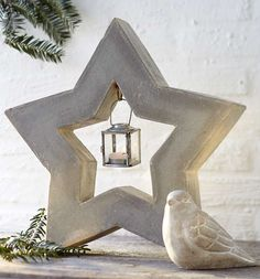 Simple Christmas decoration ideas – Make stylish Advent decorations & candlesticks made of concrete Make your own Christmas decoration ideas from the trend material concrete for the Advent and Christmas season: from small supporters for … by roseandburke Cement Garden, Cement Art, Concrete Cement, Concrete Crafts, Concrete Projects, Concrete Design, Simple Christmas, Christmas Diy, Christmas Decorations