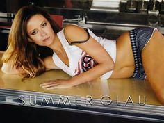 117687-summer-glau-hot-bikini-navel-s-xlw2.jpeg (1600×1200)