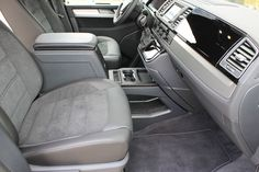 Vw T5, Car Speaker Box, T5 Caravelle, Ram Van, Transporter, Kitchen Cabinet Design, Vw Camper, Cars And Motorcycles, Car Seats
