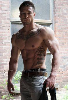 Brad Petersen   #muscle #tattoo #jeans