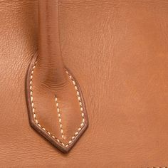 Originally used for Hermès saddles, Barenia is a smooth calfskin that is resistant to both scratches and rain. - luxury designer handbags, luxury designer handbags, satchel handbags on sale Leather Bag Tutorial, Leather Wallet Pattern, Sewing Leather, Leather Handle, Leather Purses, Leather Handbags, Satchel Handbags, Leather Totes, Leather Bags