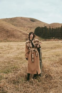 【Keywords】 fit coat checked-patterned 【Occasion】 Daily, Office, Casual, Any evening 【Fabric】 Alpaca Wool 【Size】 Based on approximate body measurements. Photography Women, Editorial Photography, Fashion Photography, Beauty Photography, Photography Ideas, Nature Editorial, Editorial Fashion, Warm Autumn, Fall Winter
