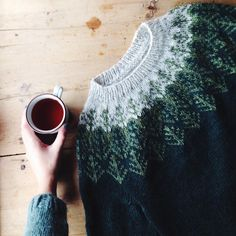 """it was such good timing finishing this sweater at the """"støl"""" (summer cabin, sort of) after a long day of walking outside in the crisp air,… Knitting Designs, Knitting Projects, Knitting Patterns, Crochet Patterns, Crochet Ideas, Icelandic Sweaters, Yarn Stash, Fabric Yarn, Knitting Yarn"""