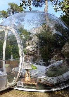 Dormire in una bolla trasparente in Provenza