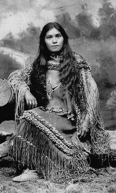 elsie Vance Chestuen - Chiricahua Apache - 1899 So beautiful! Native American Girls, Native American Wisdom, Native American Pictures, Native American Beauty, American Indian Art, Native American Tribes, Native American History, American Indians, American Lady
