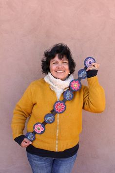 Beadworker Teri Greeves (Kiowa) Beadwork, Beading, Native American Artists, Various Artists, Art Forms, Crochet Necklace, Culture, Heart, Crafts